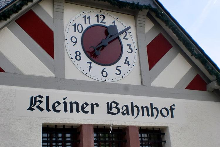 0026_Kleiner_Bahnhof